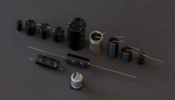 frolyt-startseite-elektrolytkondensatoren